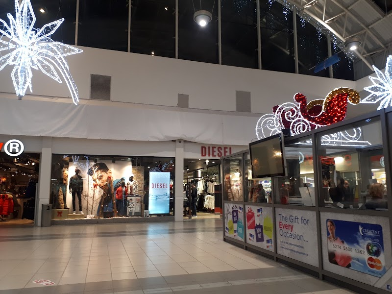 Photo de Crescent Shopping Centre